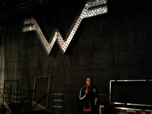 under weezer logo
